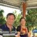 Nguyễn Tường Thuỵ và vợ